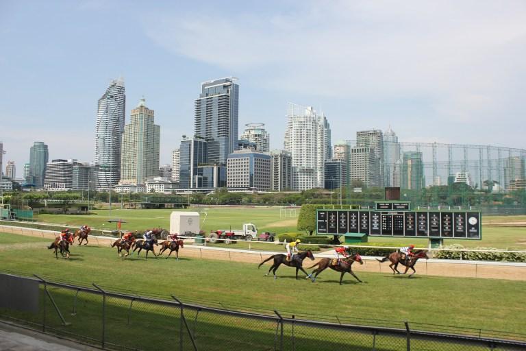 방콕경마장 태국 수도 방콕의 경마장 탐방! 로열 방콕 스포츠클럽(RBSC)