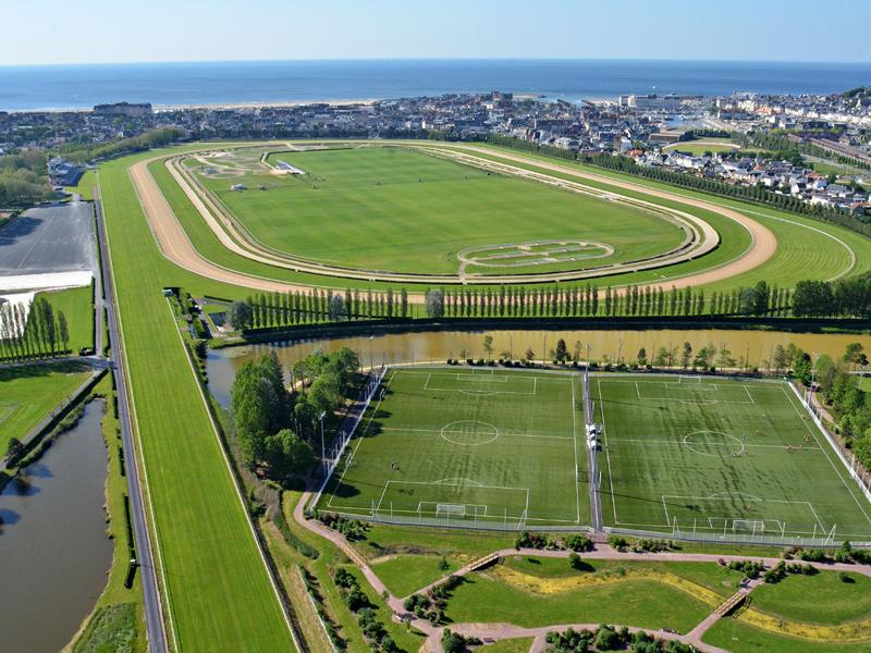 Deauville La Touques Racecourse2 [해외경마] 프랑스 도빌경마장 암말 대상경주 로스차일드상 Laurens 우승