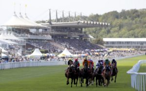Goodwood Racecourse2 300x188 영국 경마축제 Goodwood Festival과 아름다운 굿우드 경마장 풍경