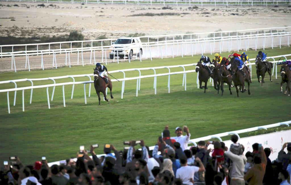 BAHRAIN INTERNATIONAL TROPHY 1024x652 중동의 파트3 경마국가 바레인의 첫 국제경마대회, 프랑스 원정마 우승