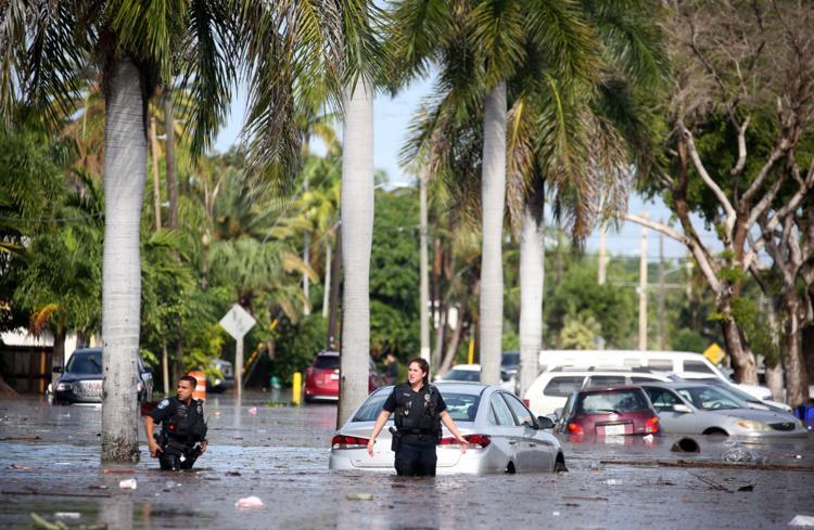 Hallandale Beach Florida 페가수스월드컵 개최 미국 할렌데일비치 걸프스트림파크 경마장 폭우로 침수