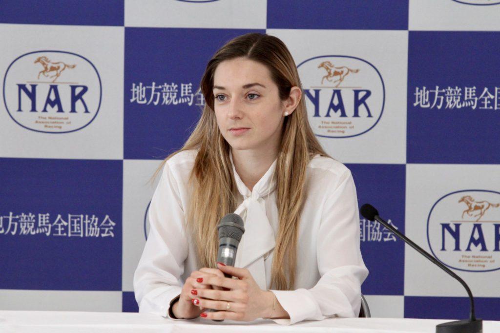 Mickaëlle Michel press02 1024x682 일본지방경마 가와사키 경마장의 프랑스 여성기수 미카엘미셸 기자회견