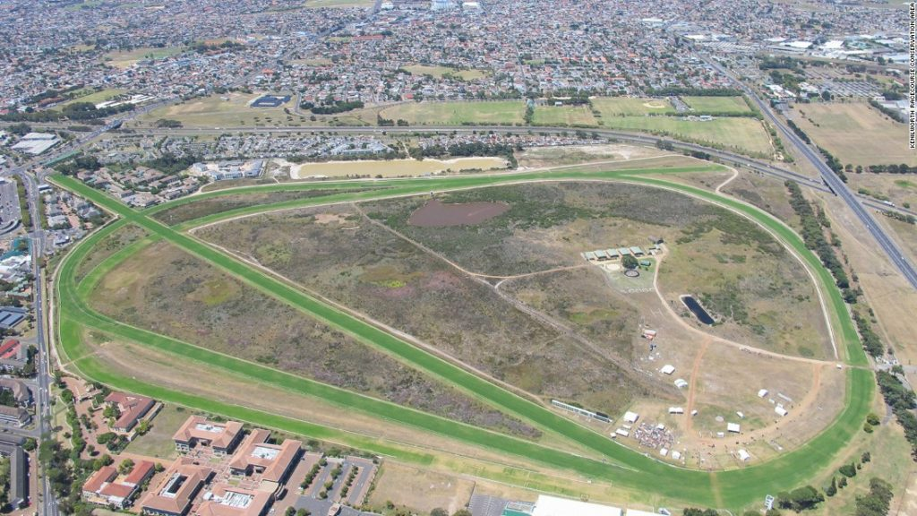 남아공경마장 1024x576 코로나19 락다운 남아공 케닐워스 경마장 5월 1일 재개장 불승인